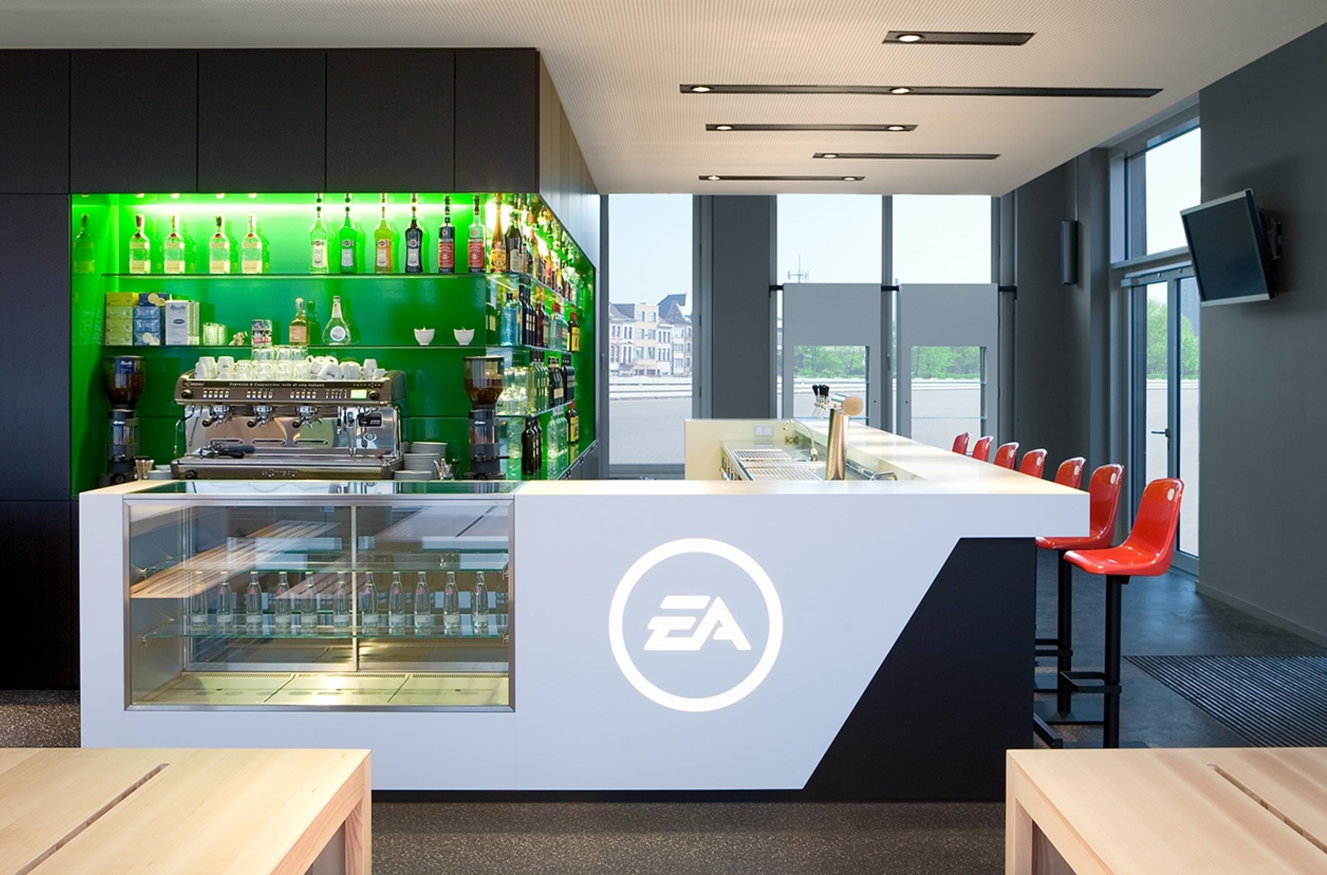 Jörg Mennickheim - EA sports bar / Brand Space